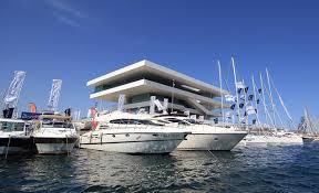 El sector turístico respalda el plan Valencia Turística 2020
