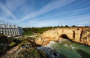 El nuevo Tivoli Carvoeiro Resort redefine vacaciones sobre el Atlántico