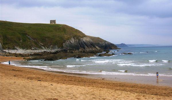 10 hoteles a pie de playa para hartarte de arena por pocos for Arena de playa precio